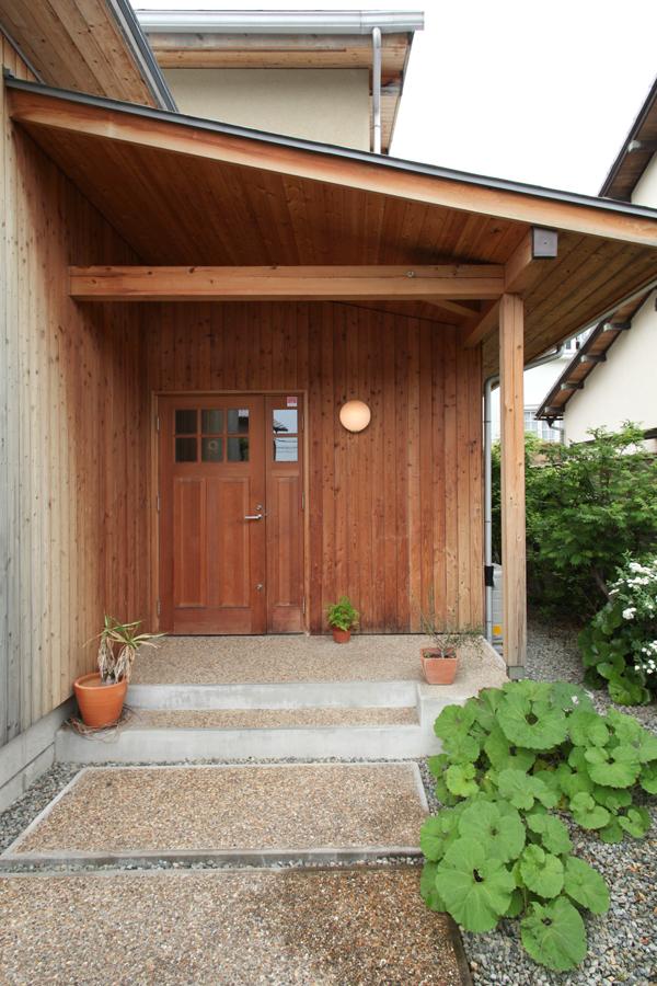 グランドピアノと薪ストーブのある木の家(吹田市)