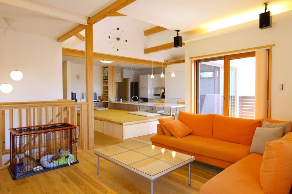 キッチンに家族が集う木の家(茨木市)
