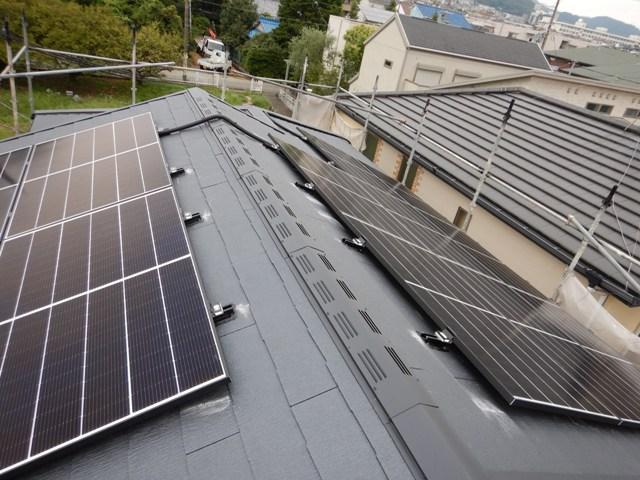 太陽光発電、東西屋根面に載せました