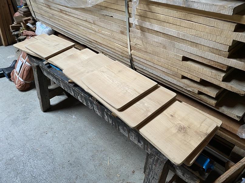無垢の木で創る家具の面白さ!