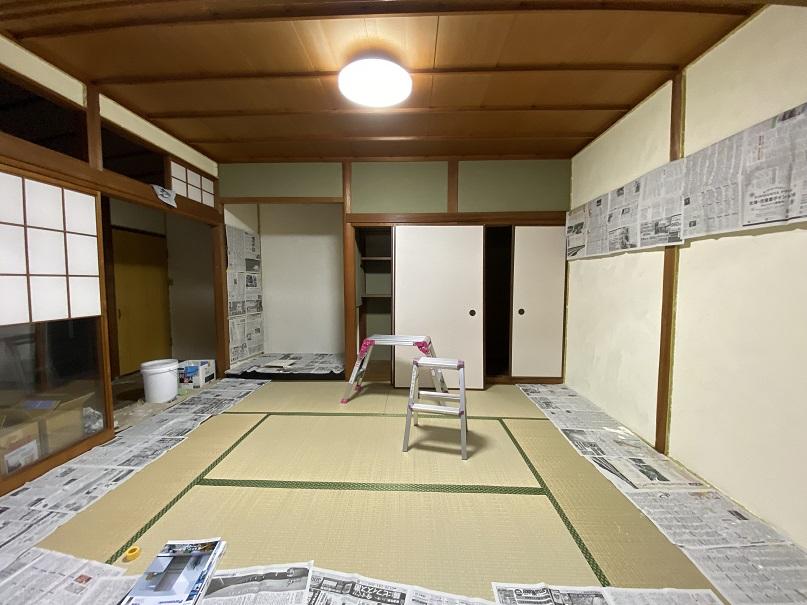 畳ばかりの和風の家の床を、和風にも似合う分厚い小国杉の床板で魅せる家!